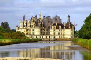 В духе Голливуда: украинец инсценировал свою смерть и купил замок во Франции