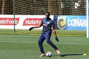 Усейн Болт отказался играть в чемпионате Мальты