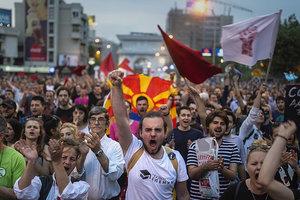 """Кремль зовет Македонию в """"путинский"""" союз вместо НАТО"""