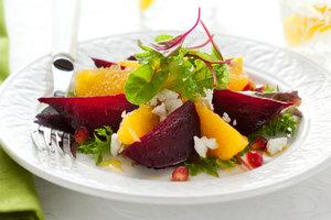 Как приготовить салат из свеклы: ТОП-5 осенних рецептов