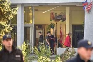 Кровь и разбитые окна: появилось видео изнутри колледжа в Керчи