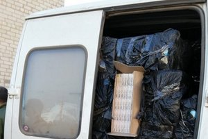 На Донбассе в микроавтобусах СБУ обнаружила контрафакт на два миллиона гривен