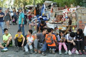 Киев начали активно посещать жители Азии