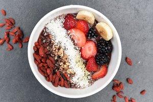 Вред кофе и польза суперфудов: диетолог развенчала главные мифы правильного питания