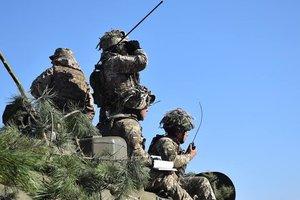 Отвод добровольцев с линии фронта на Донбассе: основные плюсы и противоречия