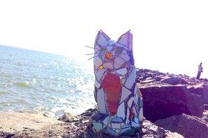 В Одессе вандалы разрушили уникальную витражную кошку