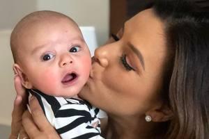 """""""Настоящее чудо"""": Ева Лонгория показала трогательное фото 4-месячного сына"""