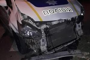 В Запорожье патрульный на служебном Prius попал в ДТП