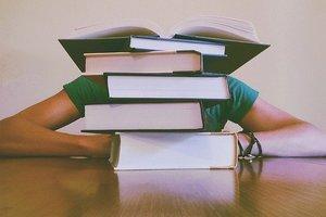 В Германии профессора оштрафовали на 2250 евро за запоздалое возвращение книг