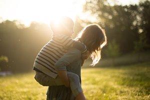 """""""Солнечные дети"""":  иной взгляд на мир позволяет творить им что-то особенное"""