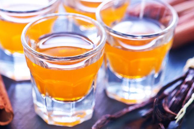 Эфирное масло чайного дерева — применение и уникальные свойства