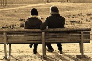 Как помочь родителям, потерявшим ребенка во время беременности или родов: советы психолога