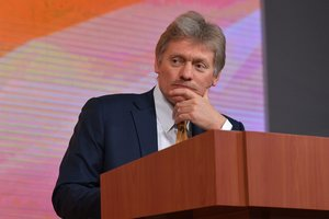 """Песков рассказал о """"зеркальном ответе"""" России на украинские санкции"""