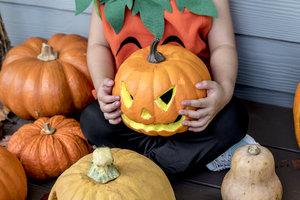 Как сделать тыкву на Хэллоуин своими руками: лучшие идеи с фото