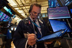 """""""Настоящий стресс"""": в США обвалился технологический индекс"""
