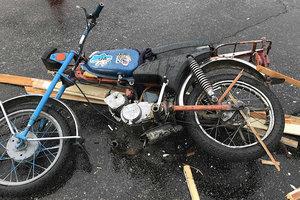 В Энергодаре пенсионер за рулем мопеда спровоцировал тройное ДТП: появились фото и видео