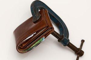 Банки ужесточают требования: что будет с кредитами в Украине