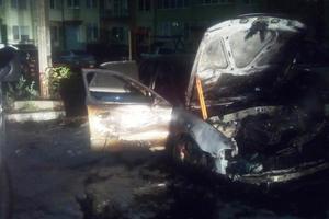 Во Львовской области пылали два автомобиля
