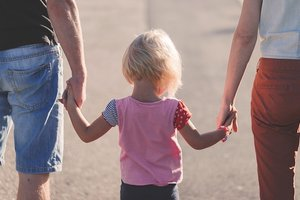 Почему родителям важно не быть идеальными: ответ доулы