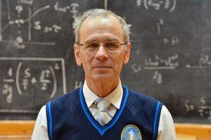 В Одессе жестоко избили и ограбили самого известного в Украине учителя физики