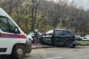 Масштабная ДТП на Набережном шоссе: столкнулись пять автомобилей