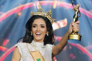 Победительница конкурса красоты потеряла сознание во время объявления результатов - видео