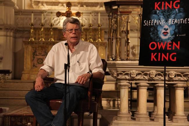Стивен Кинг позволил россиянам экранизировать свои рассказы за1 доллар