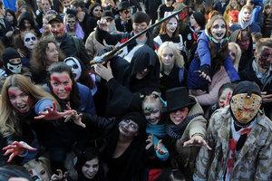 Парад зомби в Киеве: по центру города гуляла нечисть