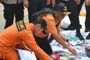 Катастрофа Boeing 737 в Индонезии: спасатели продолжают находить тела жертв