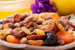 Как есть сухофрукты, чтобы не поправиться: советы известного диетолога