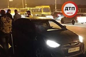 На Харьковском шоссе мужчина попал под колеса Hyundai