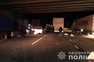 В Одесской области пешеход попал под колеса грузовика: опубликованы фото
