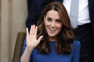 В ярком сапфировом платье: эффектный выход Кейт Миддлтон
