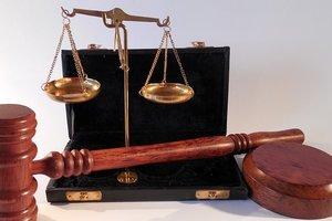 Украинские суды не могут работать из-за дефицита кадров