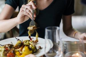 Шесть действенных советов, которые помогут вам перестать переедать