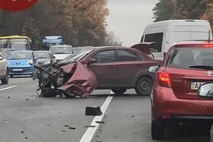 Серьезное ДТП на Варшавском шоссе: столкнулись две легковушки и грузовик