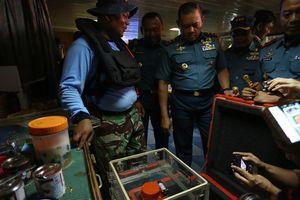 На месте крушения Boeing 737 в Индонезии нашли обломок шасси