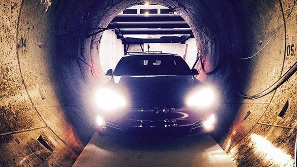 Маск обнародовал видео поездки поскоростному тоннелю под Лос-Анджелесом