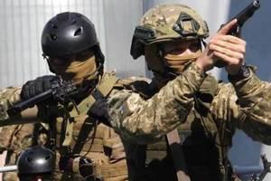 """В Украине начал действовать закон """"маски-шоу стоп - 2"""""""