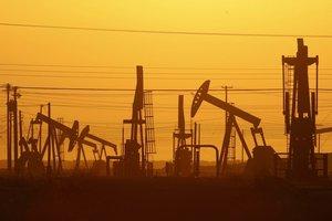 Новые санкции против Ирана не смогли взвинтить цены на нефть