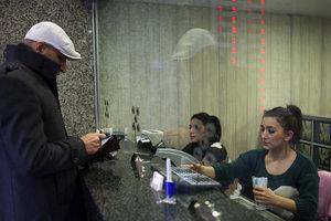 НБУ разрешил украинцам не ходить в отделения банков, чтобы открыть счет