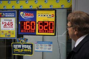 Мать-одиночка с тремя детьми выиграла 200 млн долларов в лотерею