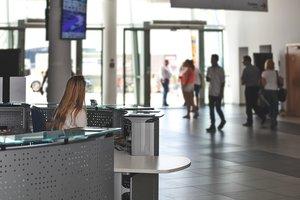 """Пассажиров самолетов в Европе начнут проверять на """"детекторах лжи"""""""