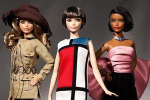 Компания Mattel выпустила Барби в культовых нарядах Yves Saint Laurent