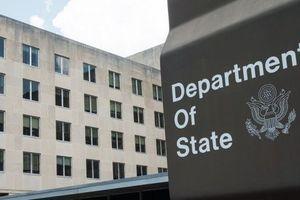 """США введут новые санкции против России """"в соответствии с законом"""" - Госдеп"""