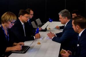 Порошенко обсудил с вице-главой Еврокомиссии транш в 1 млрд