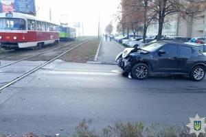 """В Харькове трамвай второй раз за сутки стал """"героем"""" ДТП"""
