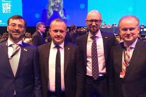 Яценюк принимает участие в Конгрессе ЕНП в Хельсинки