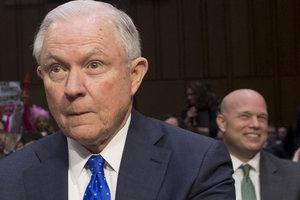 В США 17 генпрокуроров встали на защиту расследования российского вмешательства