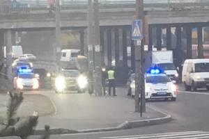 Под Индустриальным мостом Citroen насмерть сбил пешехода